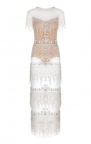 Белое платье с жемчугом